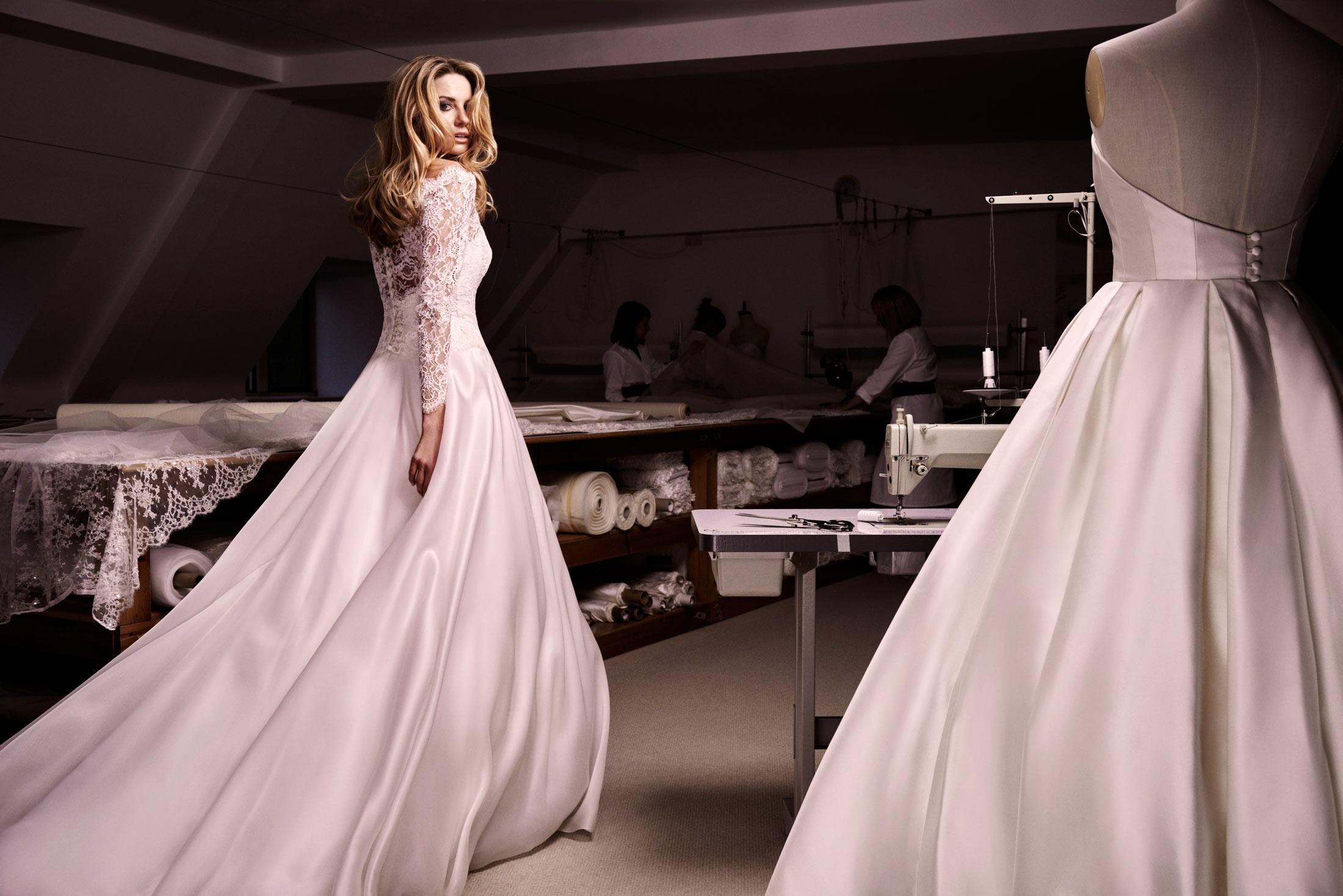 Bellini wedding dress caroline castigliano for Wedding dress malaysia online