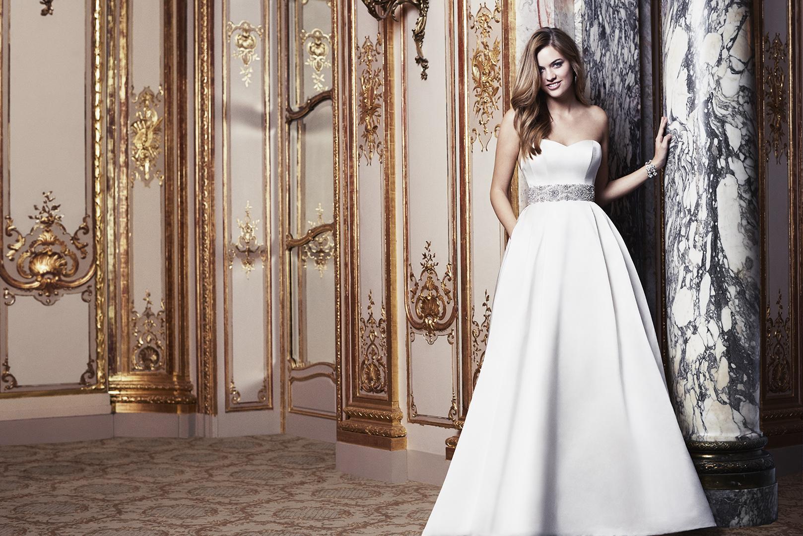 Exclusive caroline castigliano sample sale caroline for Designer sample wedding dresses