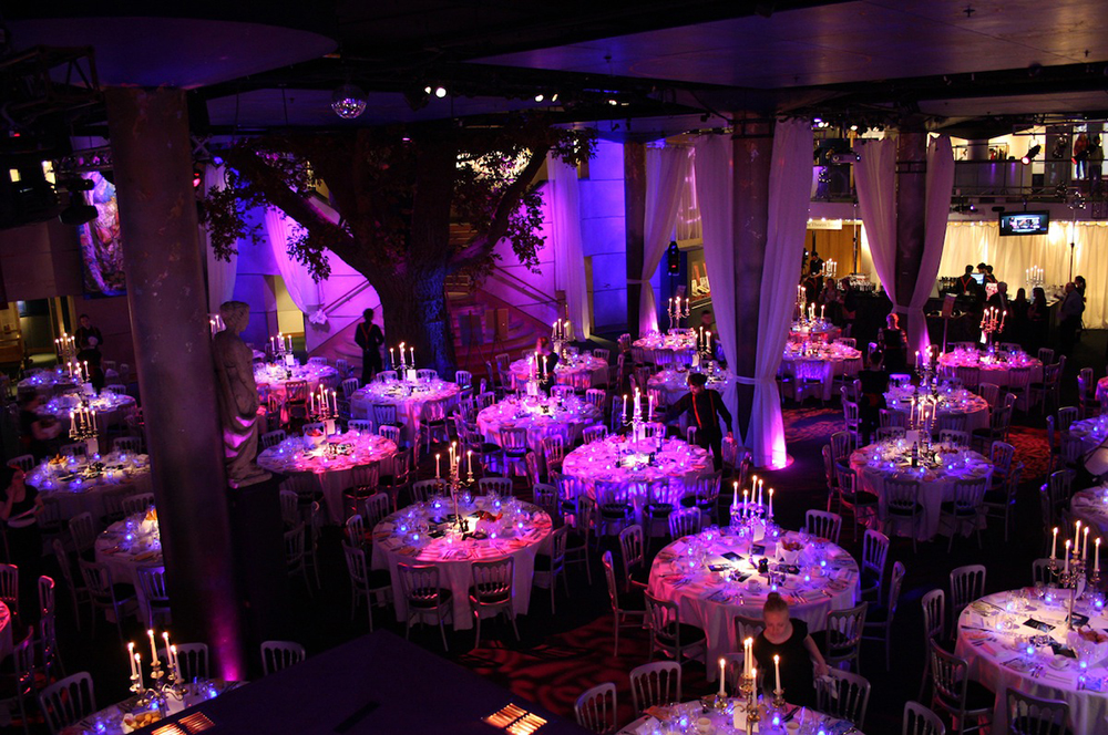 Shakespears Globe Carolinie Castigliano weddings