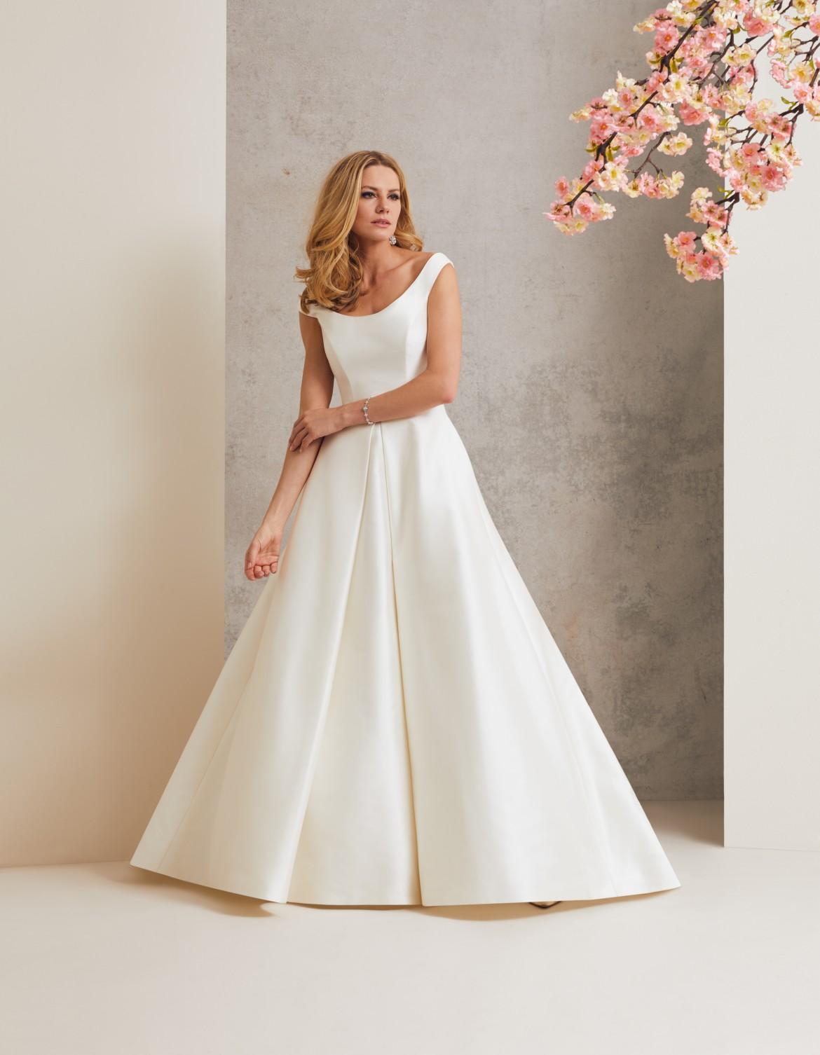 Ascot designer wedding dress by Caroline Castigliano