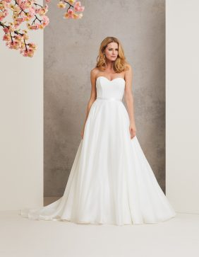 Promise designer wedding dress by Caroline Castigliano