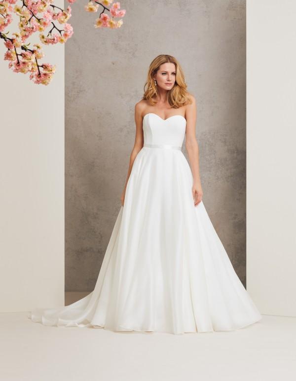 Promise designer wedding dress by Caroline Castigliano