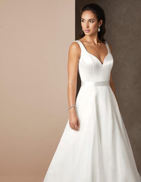 Chelsea luxury wedding gown by Caroline Castigliano
